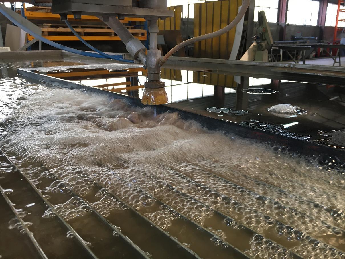 MARBRE NOIR decoupe par jet eau de marbre haute savoie